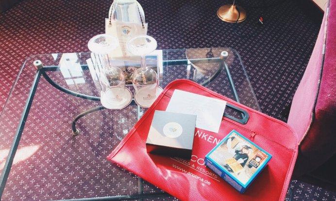 Review - Romantik Hotel Wartburg - Romantik Zimmer Begrüßungsgeschenk
