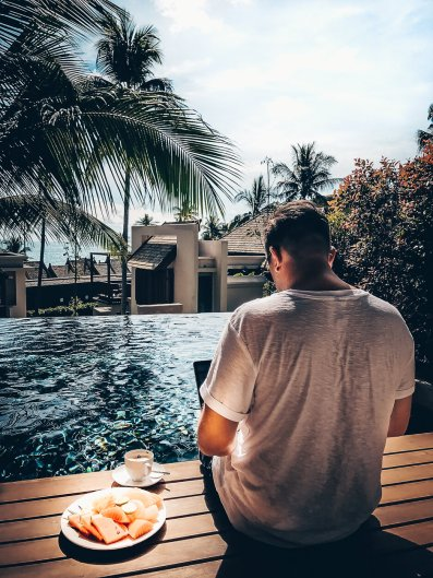 Review The Ritz-Carlton Koh Samui Massi am Pool