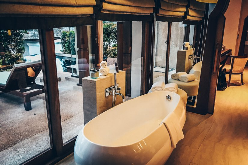 Review The Ritz-Carlton Koh Samui Badewanne Pool Villa