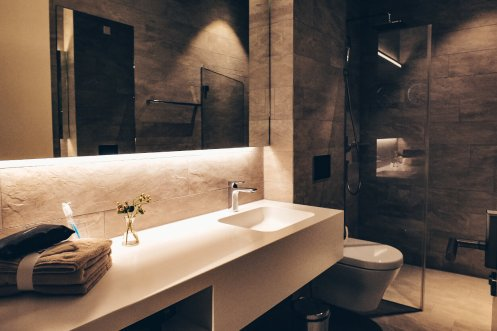 Neue Swiss First Class Lounge Zürich A - Dusche