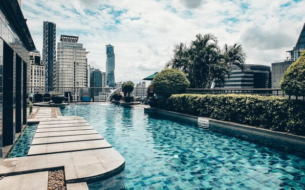 Review Banyan Tree Bangkok Swimming Pool