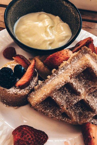 Review Four Seasons Mexico City Frühstück Zanaya Restaurant Waffeln