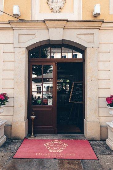 Review Bülow Palais Dresden Hotel Seiteneingang