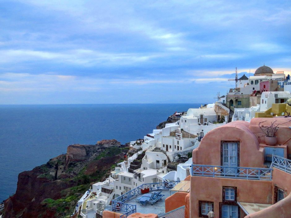 Discover Volcanic Santorini - Feel the Magic of Love – Travel With