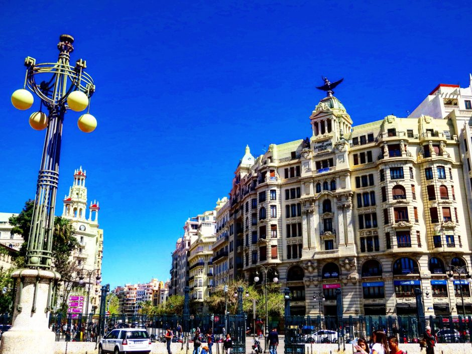 Town Hall visit during Highlights of Valencia Tour