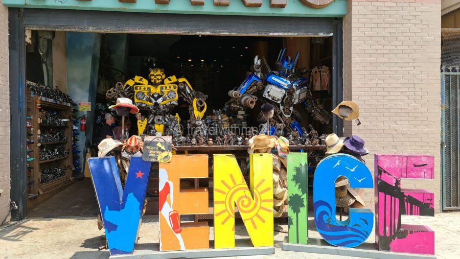 art and handicrafts shop at Venice Beach, LA