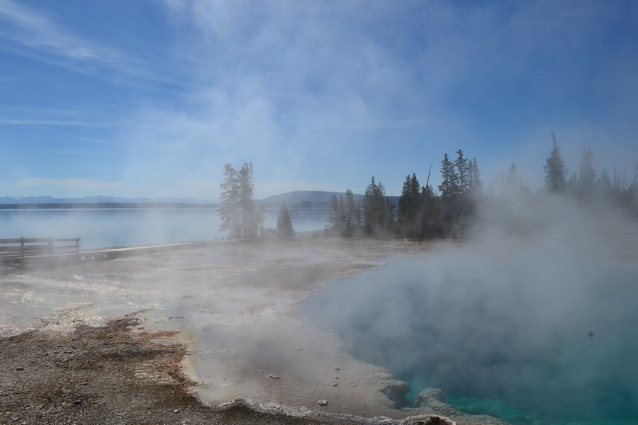 Vue sur le lac du Yellowstone National Park