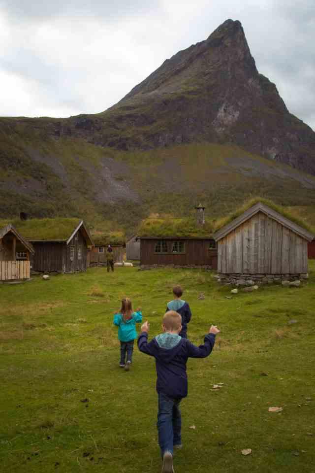 Travel with kids - Herald Summer Farm - Hellesylt - Norway
