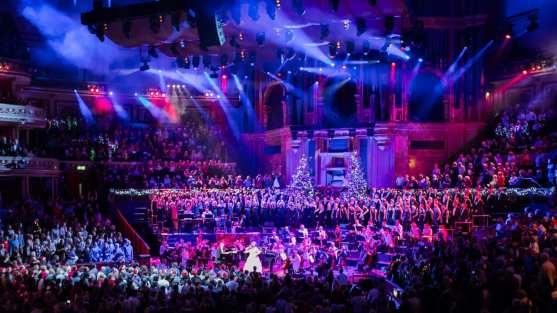 The BT Christmas Concert 有英國皇家海軍表演以及施放煙火