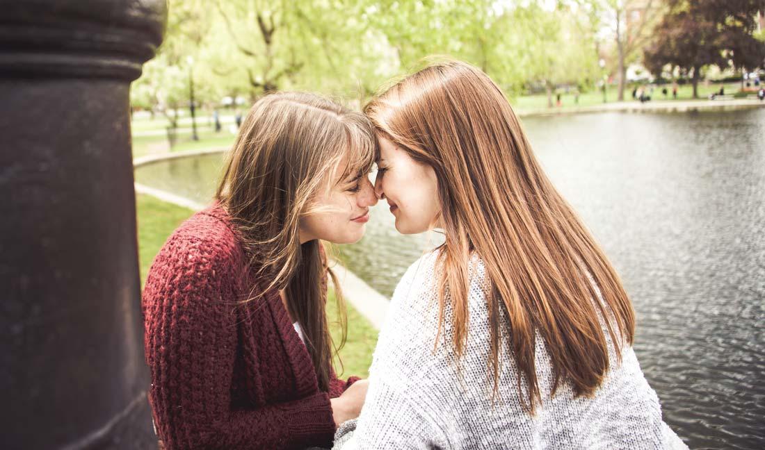 Lesbian Travelers: Ali & Jenni