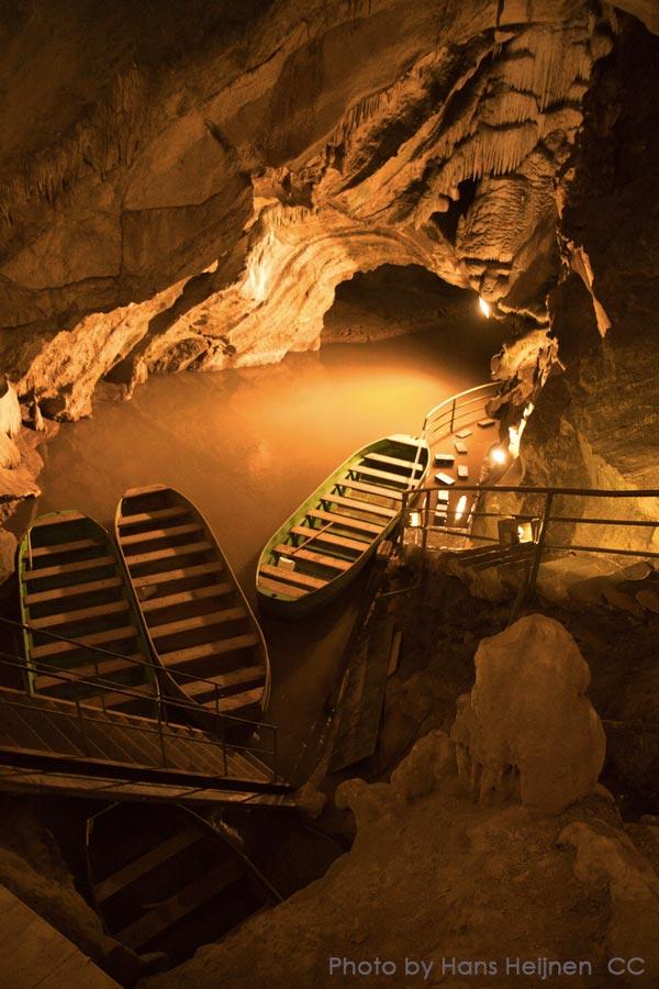 Grottes de Remouchamps. Photo by Hans Heijnen CC