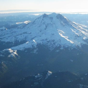 What to Bring to for a Day Trip to Mount Rainier National Park