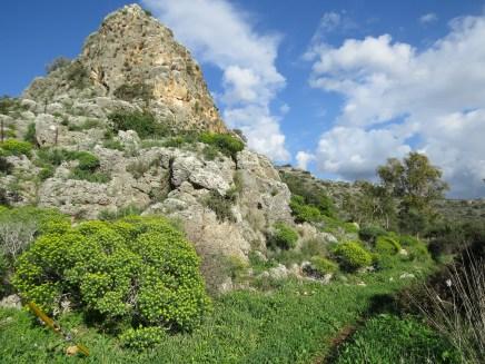 השביל הגיאולוגי בנחל המערות