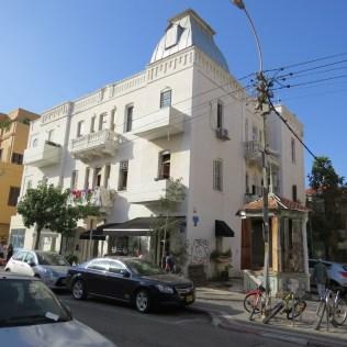 בתים בסגנון הבינלאומי בתל אביב