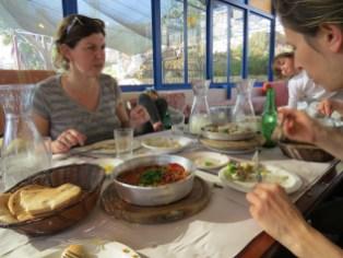 מעדני המטבח הערבי במסעדת עזבה בראמה
