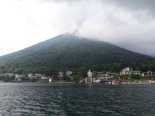 אגם צ'וזנג'י והר ננטאי