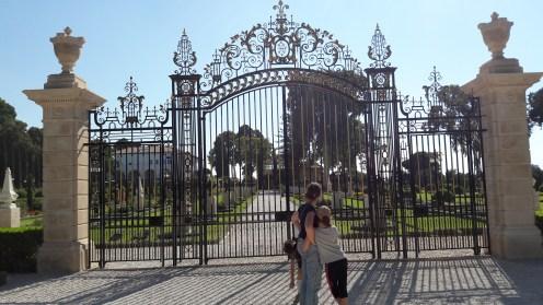 שער הכניסה לקבר הבהג'י בעכו