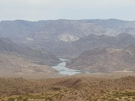 נהר הקולורדו בדרך מסכר הובר לוויליאמס, אריזונה