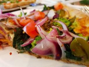 פיצה ירקות מסעדה איטלקית באזור הגראונד זירו