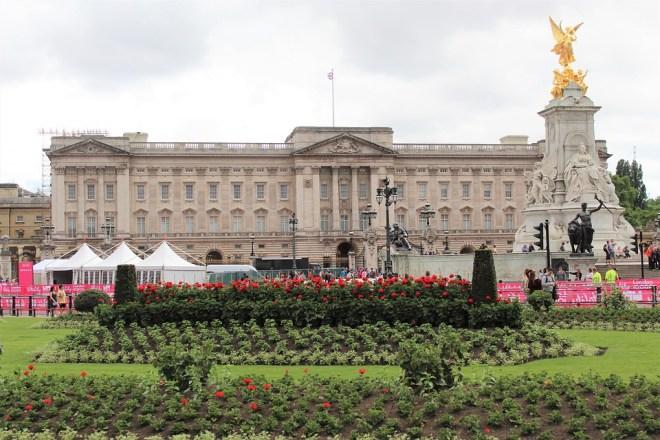 buckingham-palace-4363590_960_720