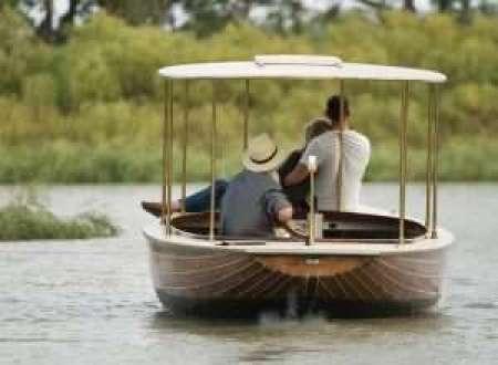 Sunset Gondola Cruise at The Frames, Riverland, South Australia #sunsetcruise #gondola #riverland #romantic #southaustralia