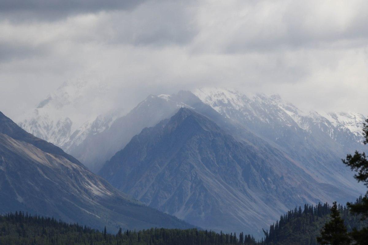Alaska (2) Nabesna Road - June 2017
