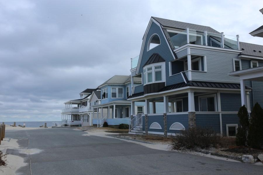 Houses-01.jpg