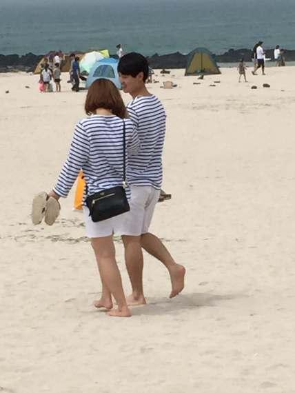 Gwakji Gwamul Beach Twins