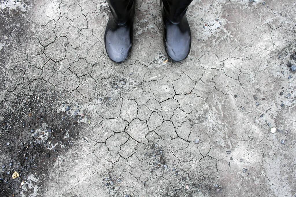 Iceland Boots & Cracks