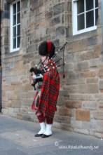 Scotland TWW - Edinburgh bagpipes