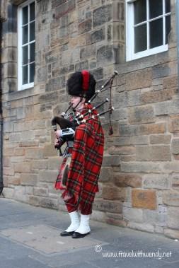 TWW - Edinburgh bagpipes