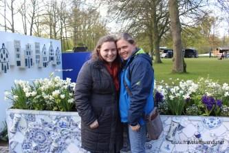 TWW - Katy and I in Delftware Keukenhof