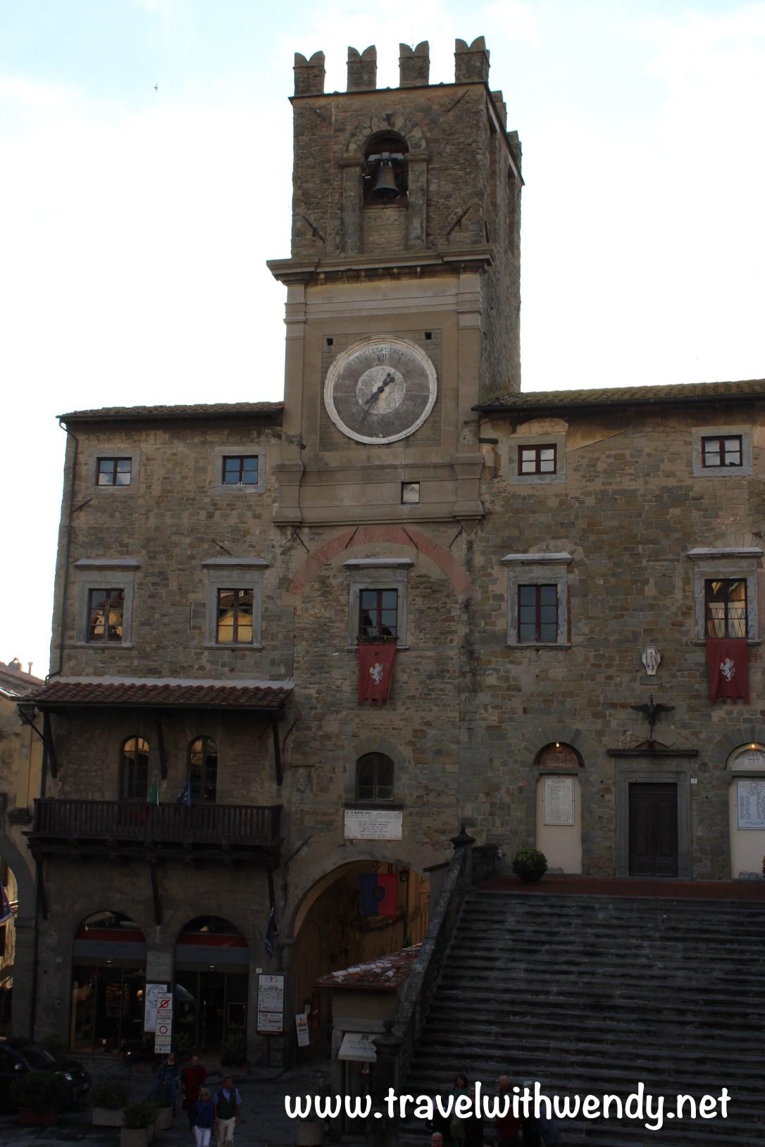 TWW - Cortona square