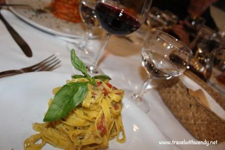 TWW - lunch in San Gimignano