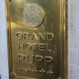 TWW - Sign Grand Hotel Pupp