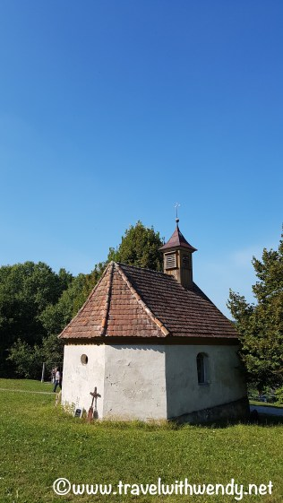 tww-church-on-the-hill-wackershofen-www-travelwithwendy-net