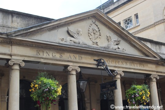 tww-entrance-to-the-king-and-queens-bath-www-travelwithwendy-net
