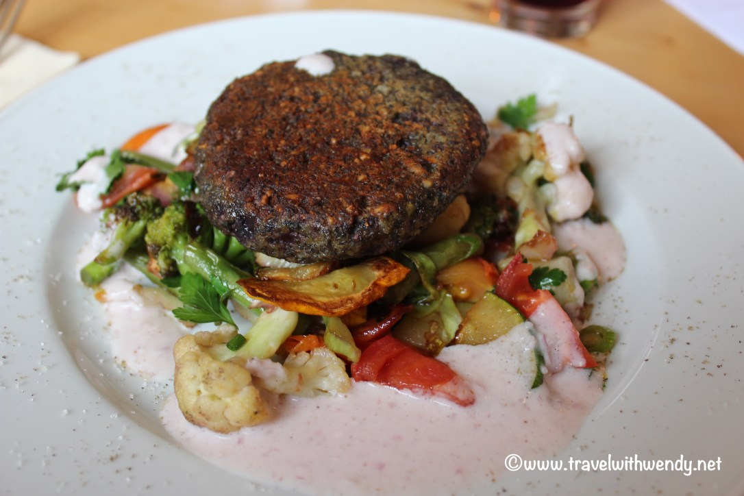 tww-lentil-patty-with-vegetables-and-cumin-sauce-gasthof-rotes-wackerhof