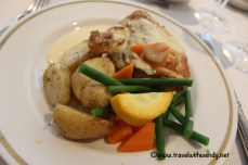 tww-lunch-at-longbourne-chicken-dijonnaise-www-travelwithwendy-net