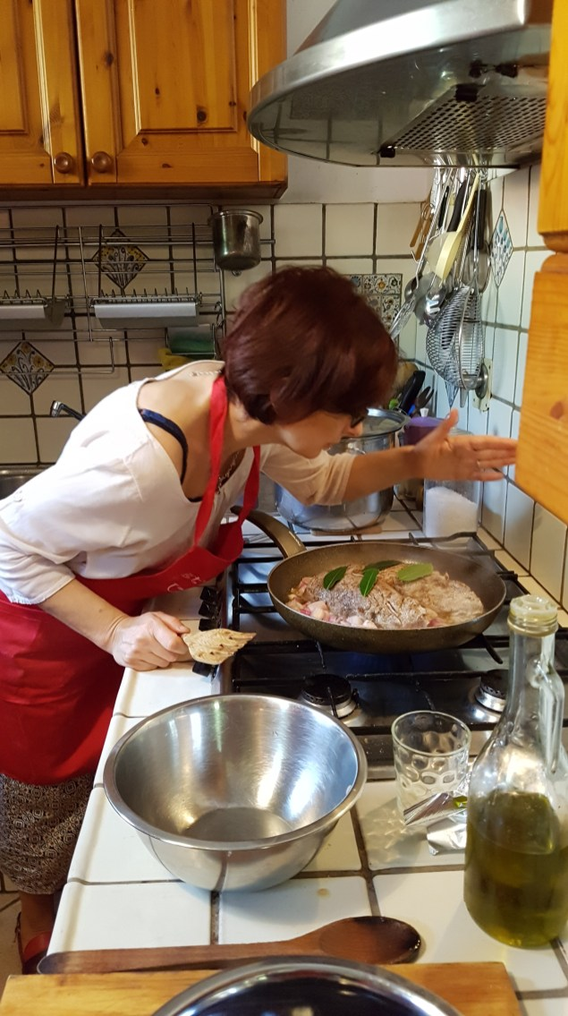 travel-with-wendy-cooking-in-italy-raffa-teaching
