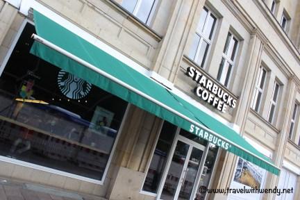 coffee-starbucks-visit-hamburg