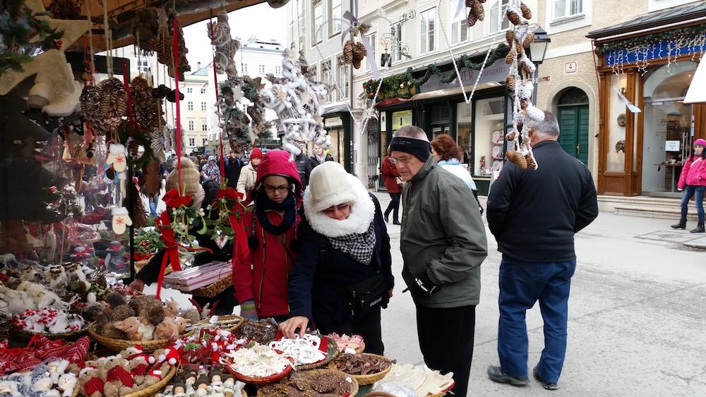 christmas-shopping-in-strasbourg