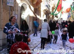 confetti-streets-of-valletta-feast-of-st-paul