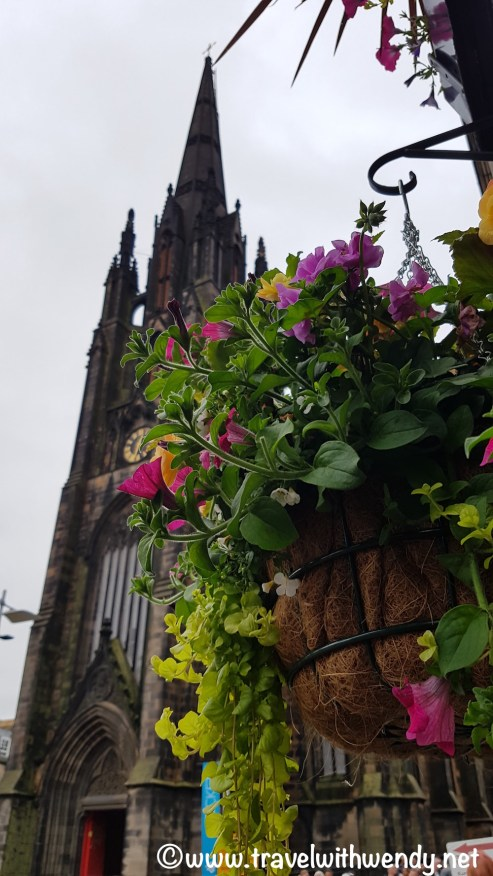 WHAT TO SEE - Views of the Market at Church - Edinburgh