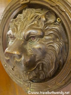 Lion door knobs all around - Medici family