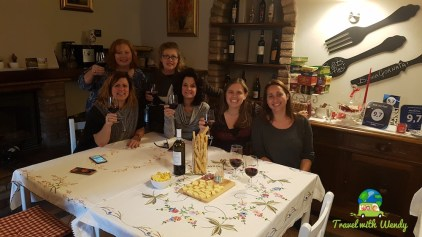 Group photo with Denise at Che Piasi
