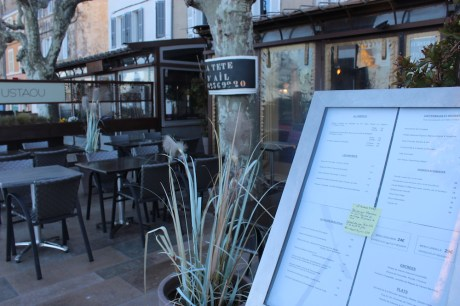 Menus outside for easy previewing