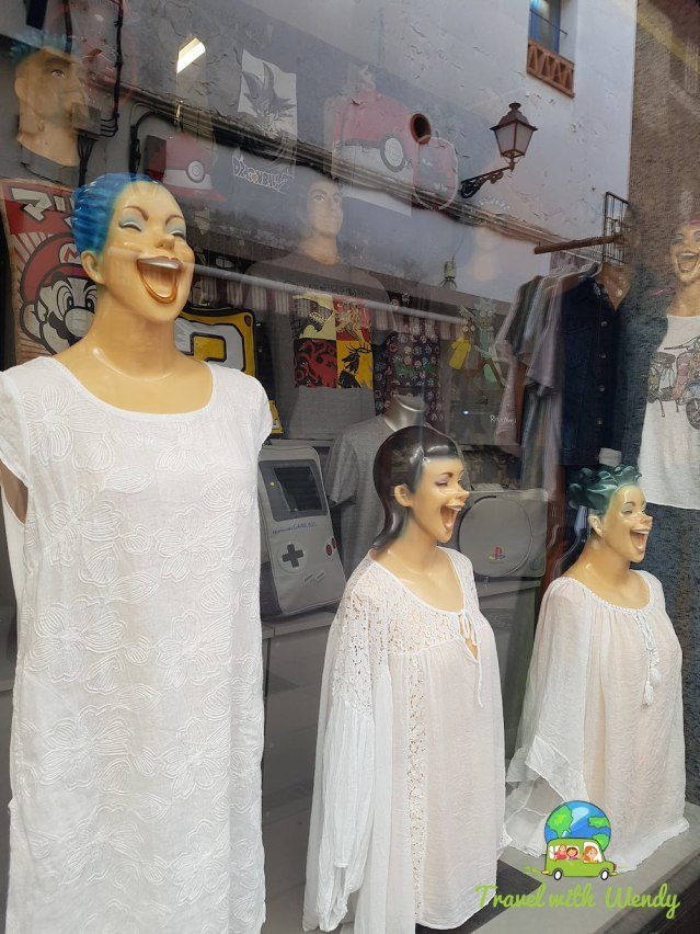Catalonia - Time to shop - funny mannequins