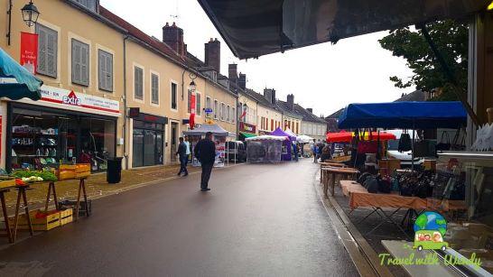 Little rainy but nice market
