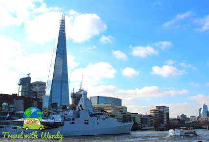 City boat cruises around the Thames - London